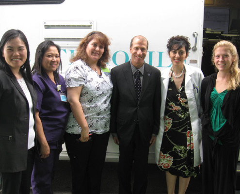 Herb Schultz, Regional Director, HHS, visits the Breathmobile